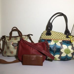 Fossil bundle 3 bags and 1 wallet.